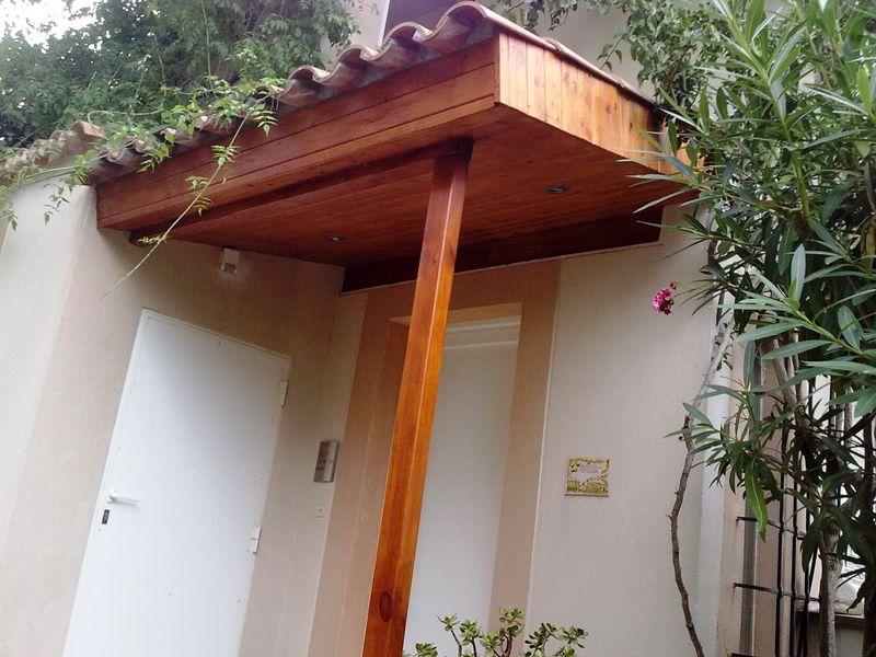 nosotros fabricamos techos para coches y terrazas en diferentes acabados madera cristal macrolon o tejas